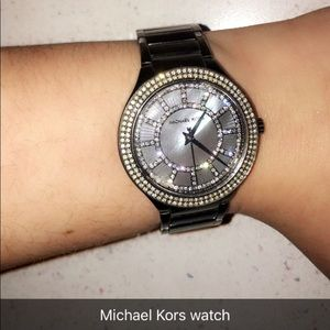 Michael Kors watch... does not come with box